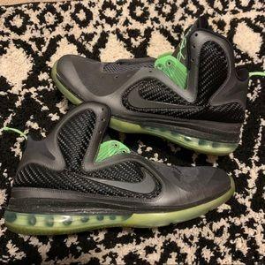 """Nike LEBRON 9 """"Dunkman"""" size 10.5"""